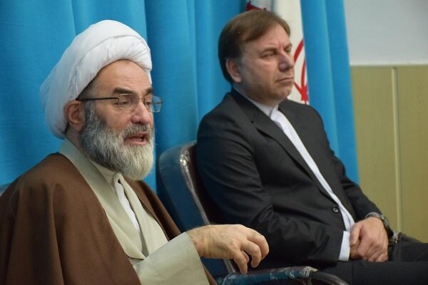 دشمن به دنبال تخریب اعتقاد مردم نسبت به انقلاب اسلامی است