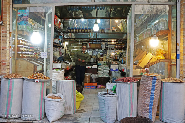 Iranians shop, this time, in honor of the longest night