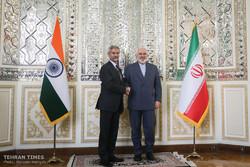 Indian FM meets Iran's Zarif in Tehran