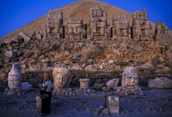 """التماثيل العملاقة لجبل """"نمرود"""" في تركيا/صور"""