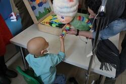 قصه خوانی هنرمندان یاور کودکان مبتلا به سرطان