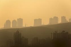هوای پایتخت ناسالم برای گروه های حساس است/ شاخص آلودگی ۱۱۸ در هوای تهران
