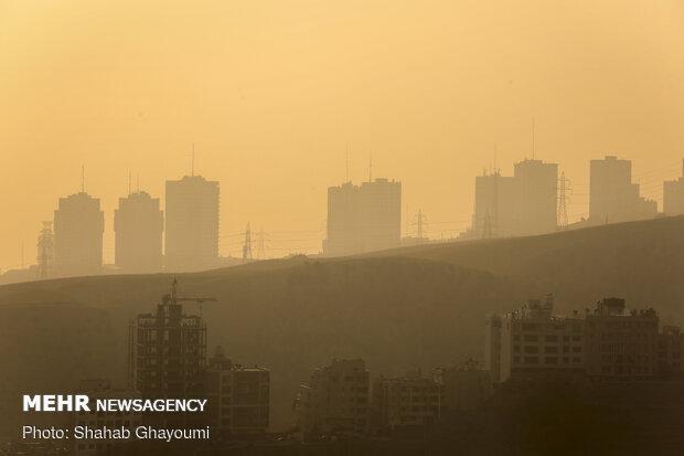 شاخص ۱۴۱ آلودگی درپایتخت/ هوای ناسالم تهران در چهارمین روز تعطیل