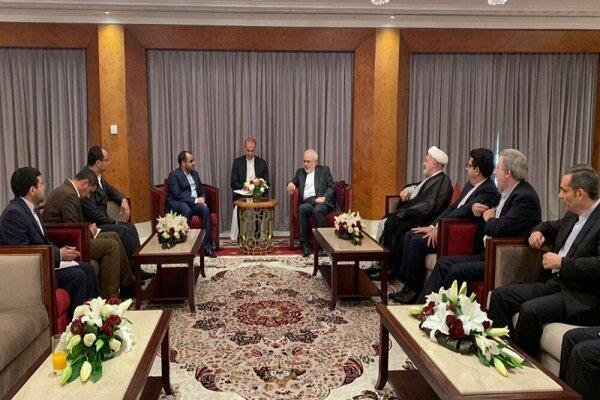 Zarif Umman'da Yemen Ensarullah Hareketi Sözcüsü ile görüştü