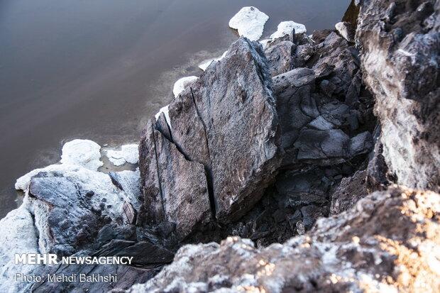 ایجاد شکاف های بسیار بزرگ در کوه نمک قم