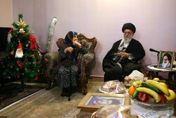 Leader pays tribute to Jesus Christ on Christmas Eve
