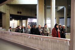 بازدید هنرمندان و پیشکسوتان از روند بهسازی موزه هنرهای معاصرتهران