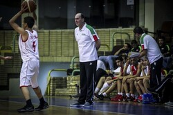 بی اطلاعی سرمربی تیم بسکتبال نیروی زمینی از دلیل لغو دیدار تیمش!