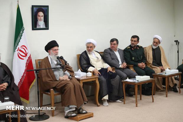 دیدار دستاندرکاران کنگره ملی ۱۵۰۰ شهید استان هرمزگان با رهبر انقلاب