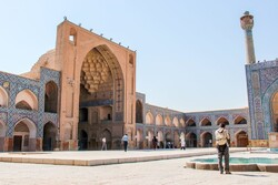 Iran considering to give Russian tourists visa-free entry to help boost visitors