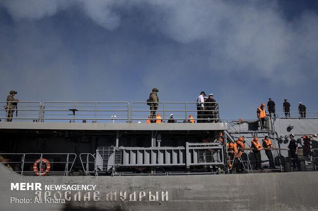 پهلو گرفتن ناو روسی Yaroslav Mudry  در اسکله شهید بهشتی بندر چابهار