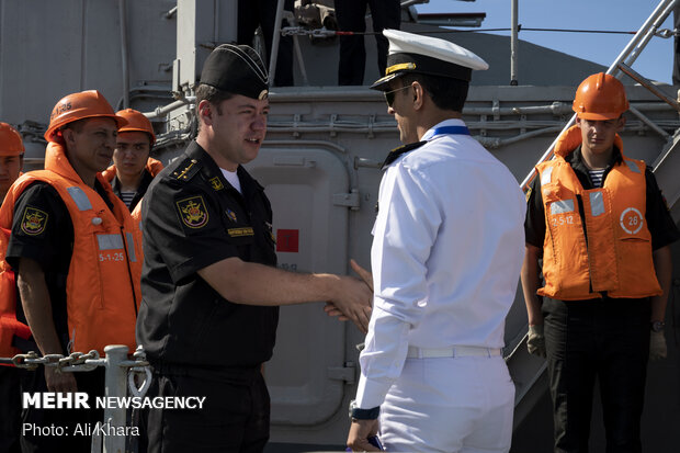 چابہار کے شہید بہشتی پورٹ پر روسی اور چینی بحری جہازوں کی آمد