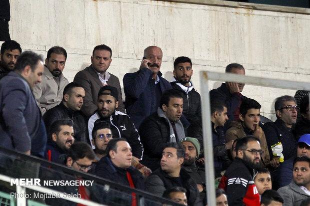 دیدار تیمهای فوتبال پرسپولیس و نساجی مازندران