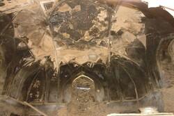 بنای تاریخی شرفه در روستای انجدان اراک مرمت میشود
