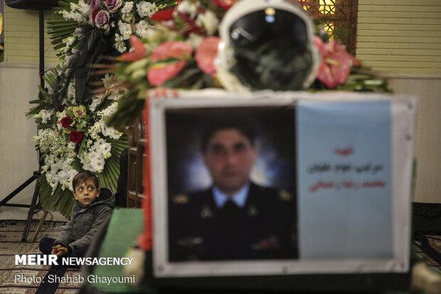 تشییع پیکر شهید محمدرضا رحمانی خلبان هواپیمای میگ ۲۹ ارتش درتهران