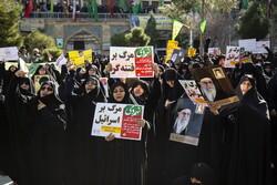 راهبرد دشمن برای تضعیف ایران ایجاد شکاف میان مردم و نظام است