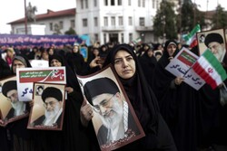 Iranians hold nationwide rallies to commemorate Dey 9 epic