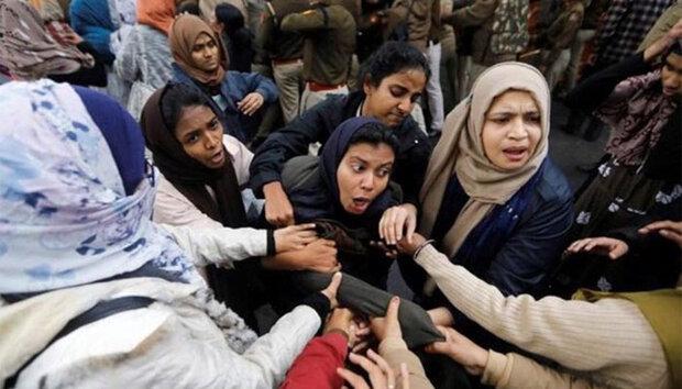 جامعہ ملیہ کے طلبہ و طالبات نے جامعہ ملیہ پر پولیس کے حملے کو جلیانوالا باغ سے ملادیا