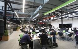 خط تولید ایده در کارخانه استارت آپ سازی/ کارگران روی ریل ریسک و دانش کار میکنند