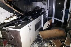نجات بانوی جوان از میان آتش و دود/علت بررسی آتش سوزی در دست بررسی