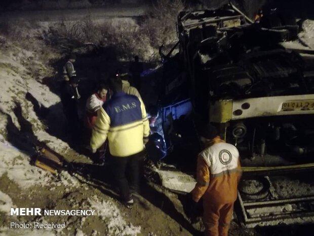 واژگونی اتوبوس با ۱۹ کشته و ۲۴ زخمی در سوادکوه