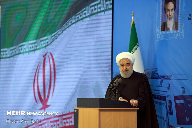 Ruhani: Ülkenin karşı karşıya olduğu bu zor günler geçecek