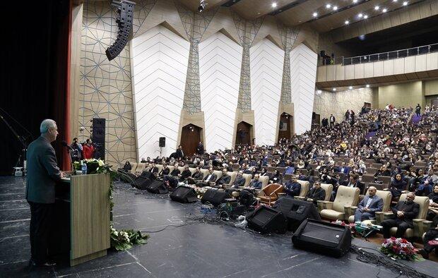 تبریز مهد پرورش علم پزشکی/ ضرورت رسیدگی به وضعیت معیشتی پرستاران