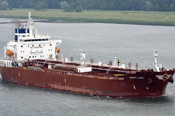US to warn shippers against storing Iranian oil