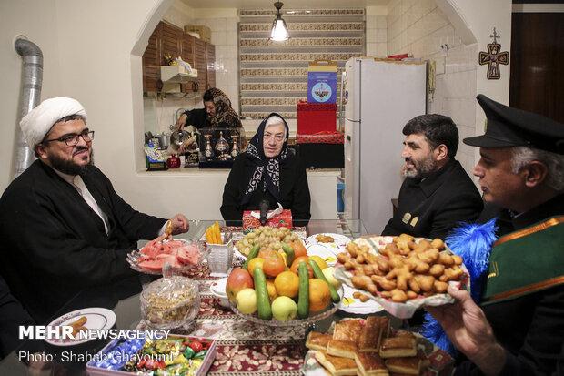 دیدار خادمین مسجد مقدس جمکران به مناسبت ولادت حضرت مسیح علیه السلام و سال نو میلادی با خانواده های شهدای ارامنه و آشوری