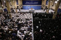 استقبال قائد الثورة لجمع من الممرضين الايرانيين