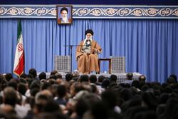 İslam Devrim Lideri'nin hemşirelerle görüşmesinden fotoğraflar