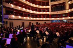 ارکستر ملی برای کودکان آسیب پذیر کنسرت اجرا کرد/ ثبت یک خاطره خوش