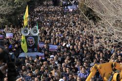 شہر کرد میں شہید قاسم سلیمانی کی یاد میں عظیم اجتماع