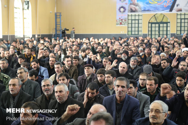 تجمع مردم اردبیل در پی شهادت سردار سپهبد حاج قاسم سلیمانی