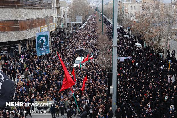 People in Hamedan hold massive anti-US rally over Gen. Soleimani assassination