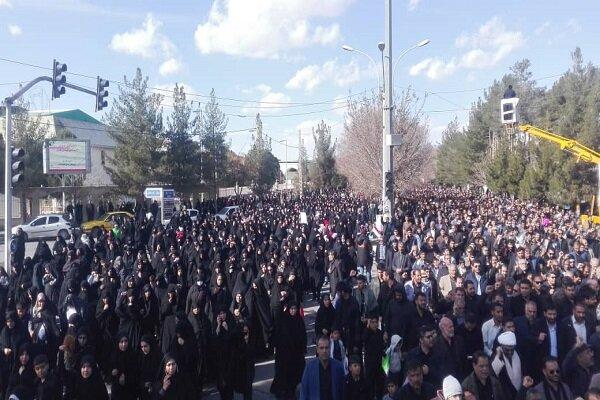 حضور گسترده کرمانی ها در راهپیمایی محکومیت اقدام تروریستی آمریکا