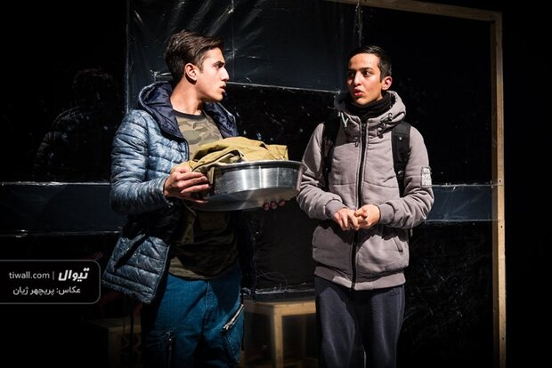 """Adaptation of """"The Boy, the Soldier and the Sea"""" goes on stage in Tehran"""