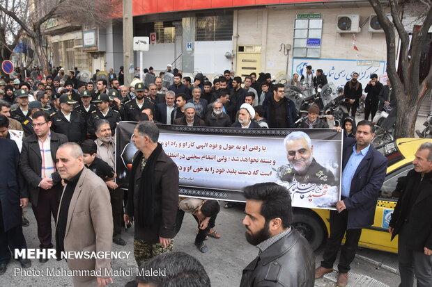 راهپیمایی مردم شهررضا اصفهان در پی شهادت سردار سپهبد حاج قاسم سلیمانی