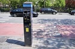 نقص فنی پارکومترها پارک کردن را در نیویورک دشوار کرد
