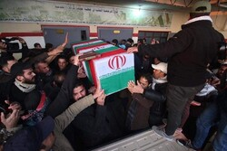Video: Iraqi citizens chant anti-US, S Arabia slogans in funeral procession of martyred commanders