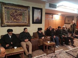 Influential Iraqi cleric pays visit to Soleimani home to condole his family