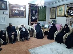 حضور دبیر و قائم مقام شورای نگهبان در منزل شهید قاسم سلیمانی