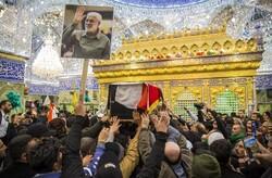 شہید قاسم سلیمانی اور ان کے ساتھیوں کے پیکروں کو ضریح حسینی کا طواف