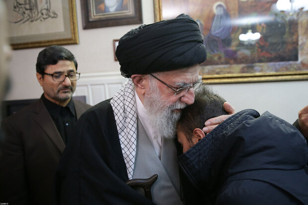 Leader's visit to family of martyr Gen. Soleimani