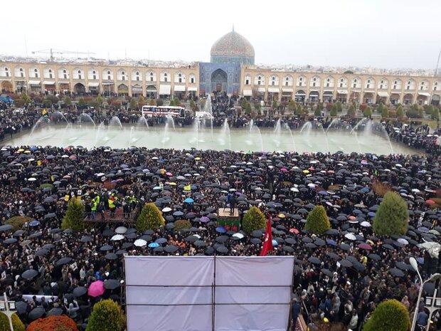 خروش نصف جهان در میدان تاریخی امام
