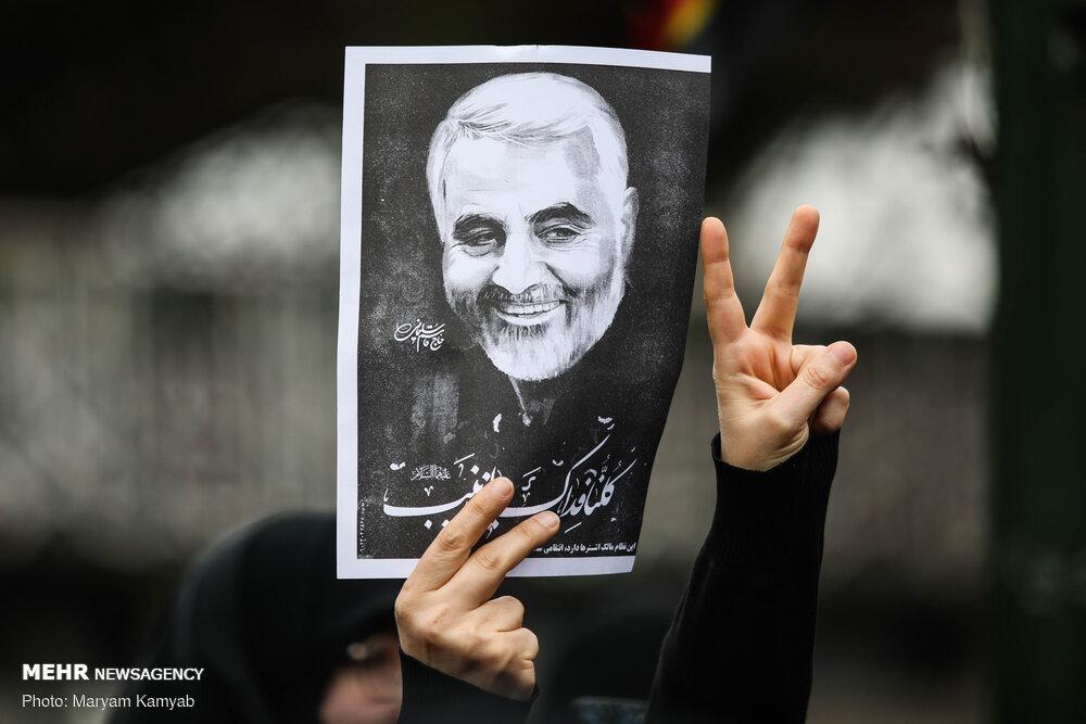 علیرضا افتخاری برای «حاج قاسم» خواند/ تکملهای با صدای «سردار»
