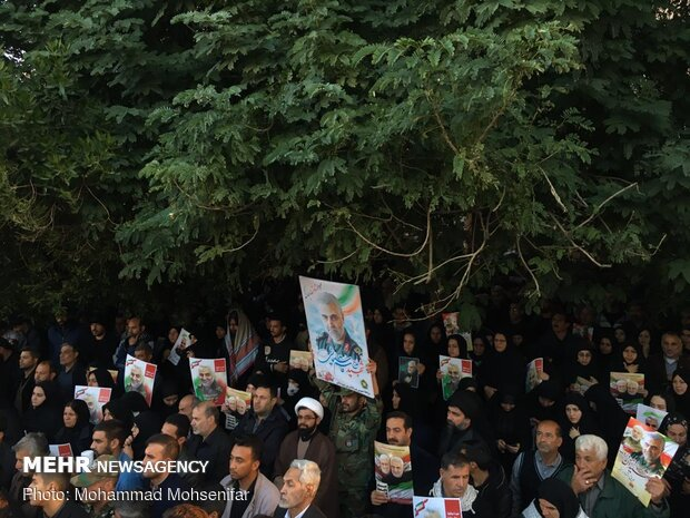 Funeral procession for martyr Lt. Gen. Soleimani in Ahvaz