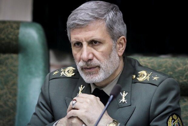 Iran to respond to any threat with high quality defensive weapons: defense min.