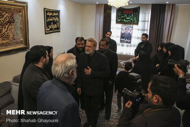 حضور رئیس مجلس شورای اسلامی در منزل شهید پورجعفری