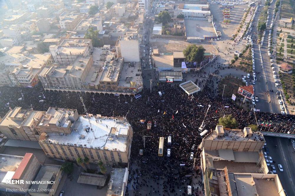 """تشييع مهيب لجثامين الشهيدين """"سليماني"""" و""""المهندس"""" في خوزستان"""